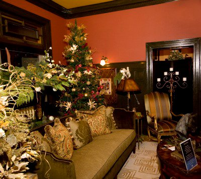 christmas thru the house vignette