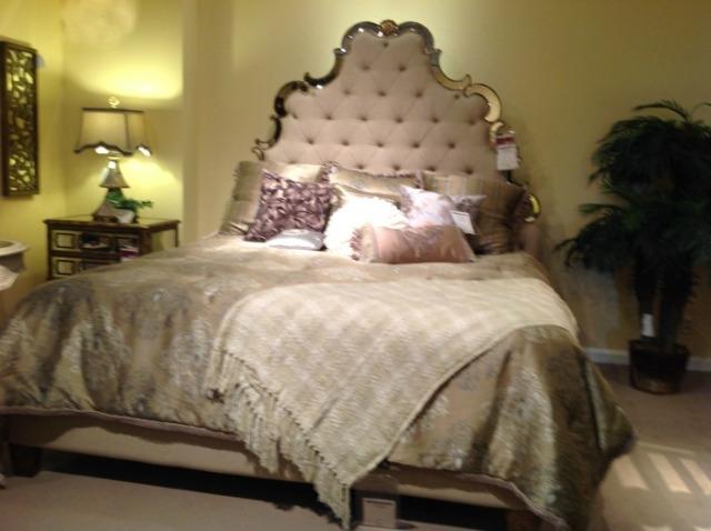 oppulant bed